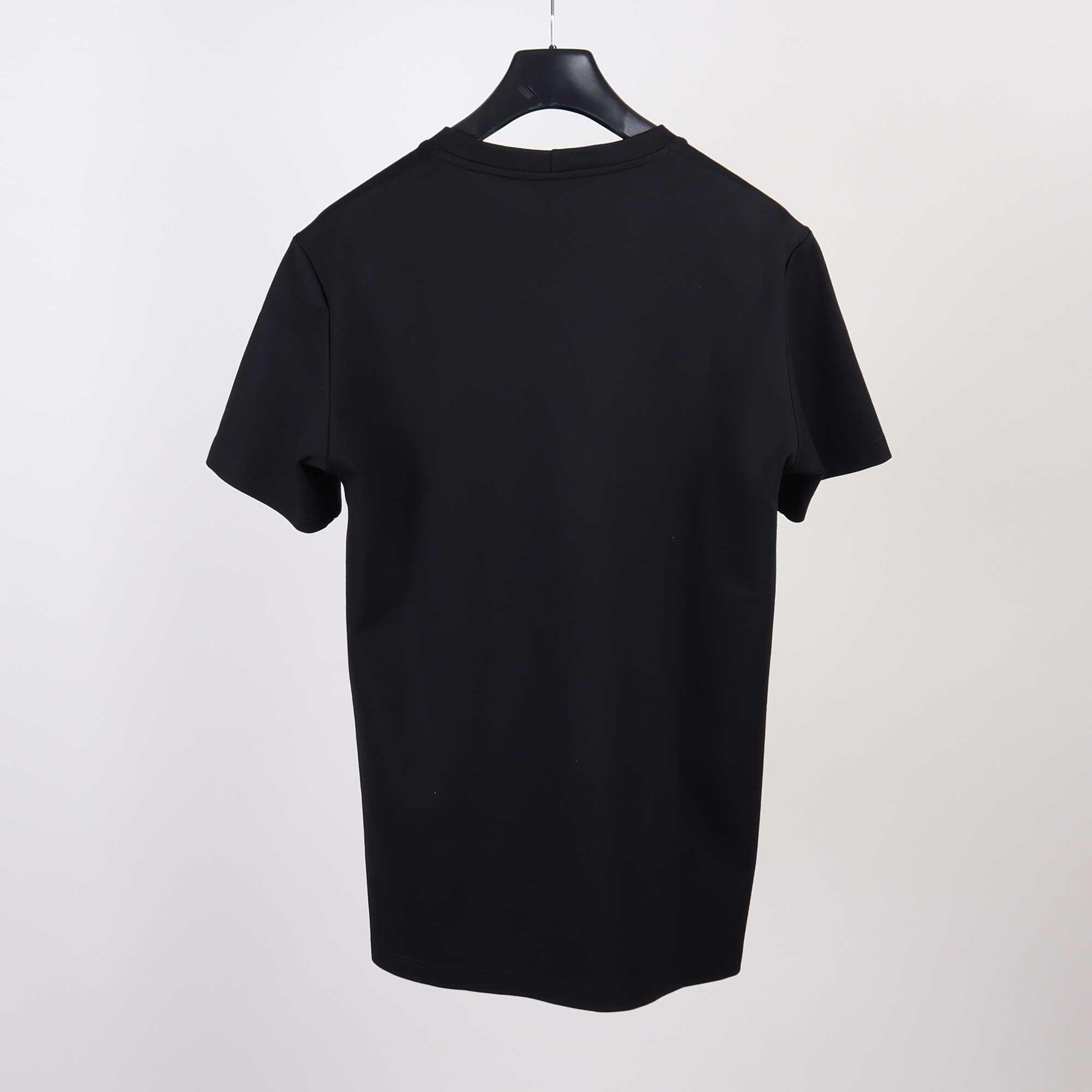punto-tee-zwart-2png
