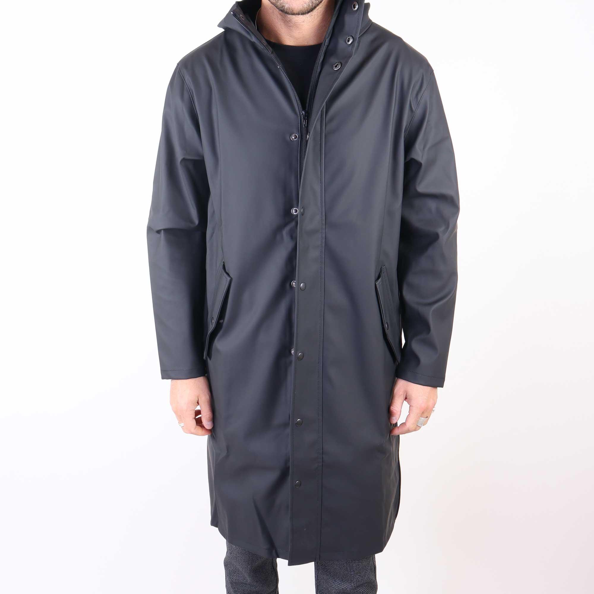 rain-zwart-1