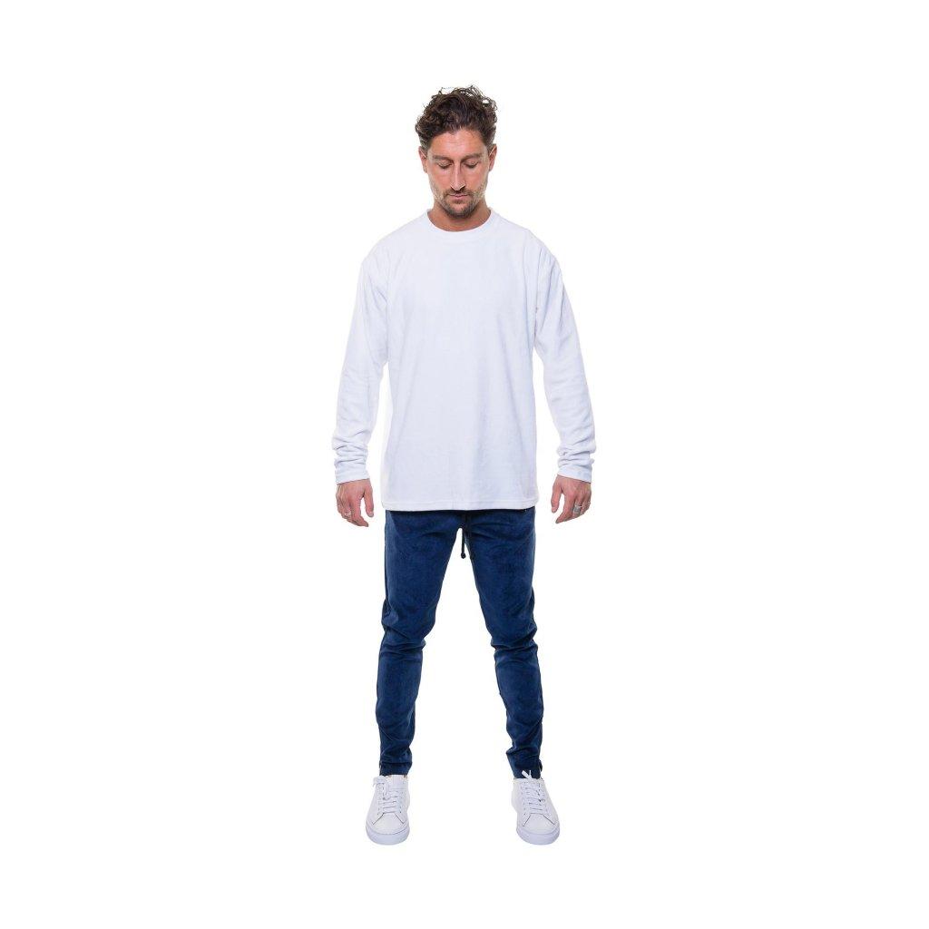 total look velvet sweater white