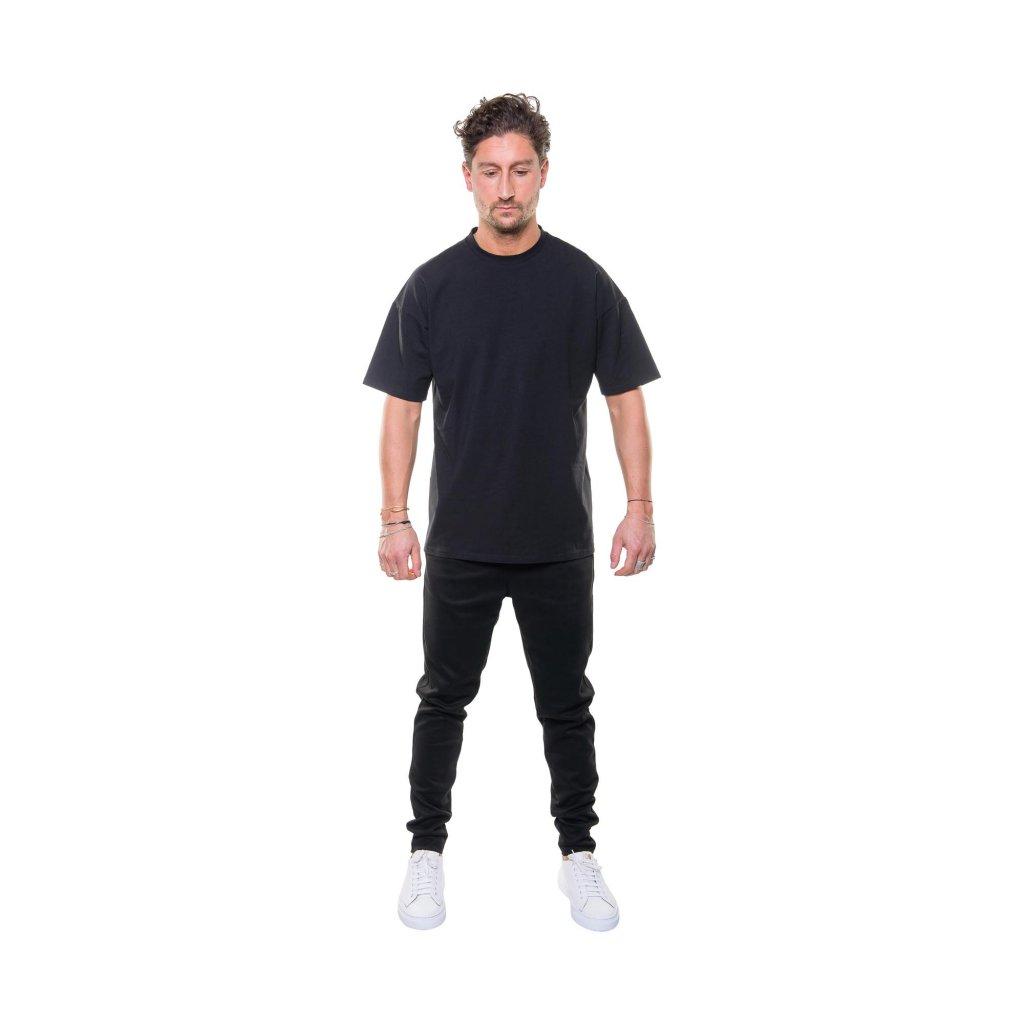 total look suede pants
