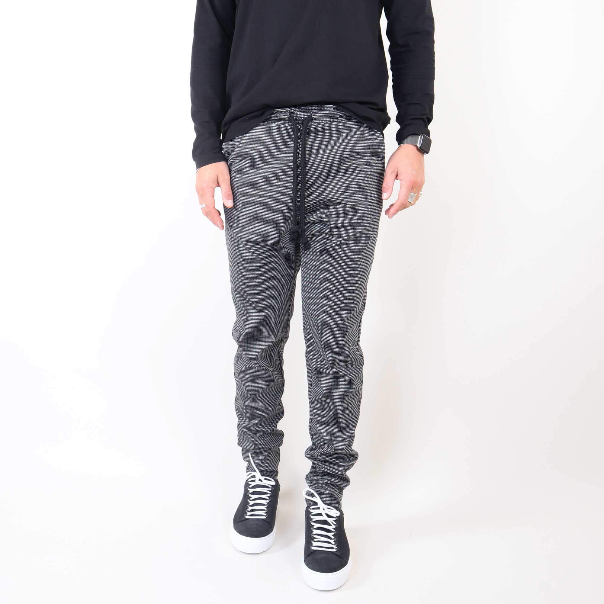 jacquard-blackwhite-1