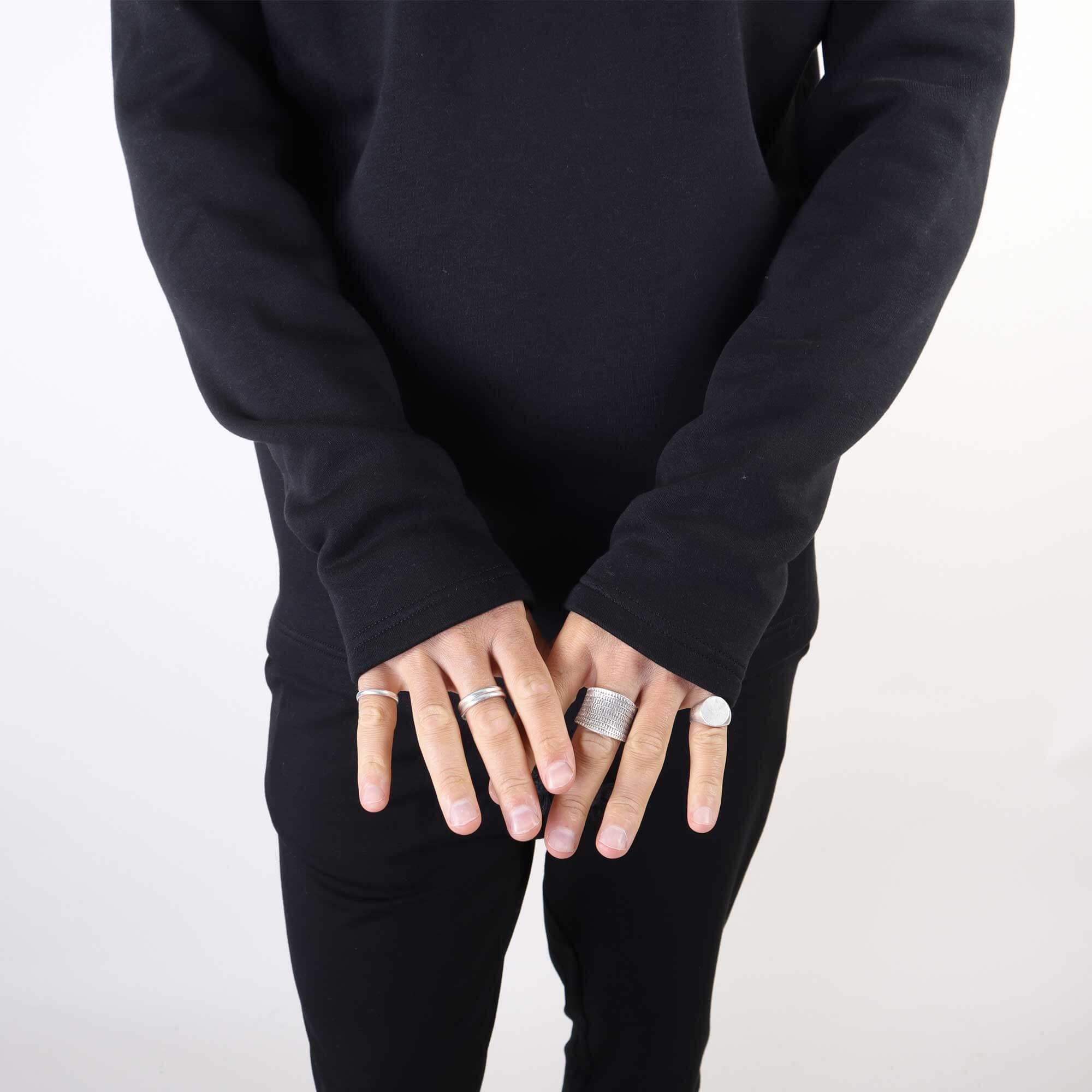 sweater-zwart-2