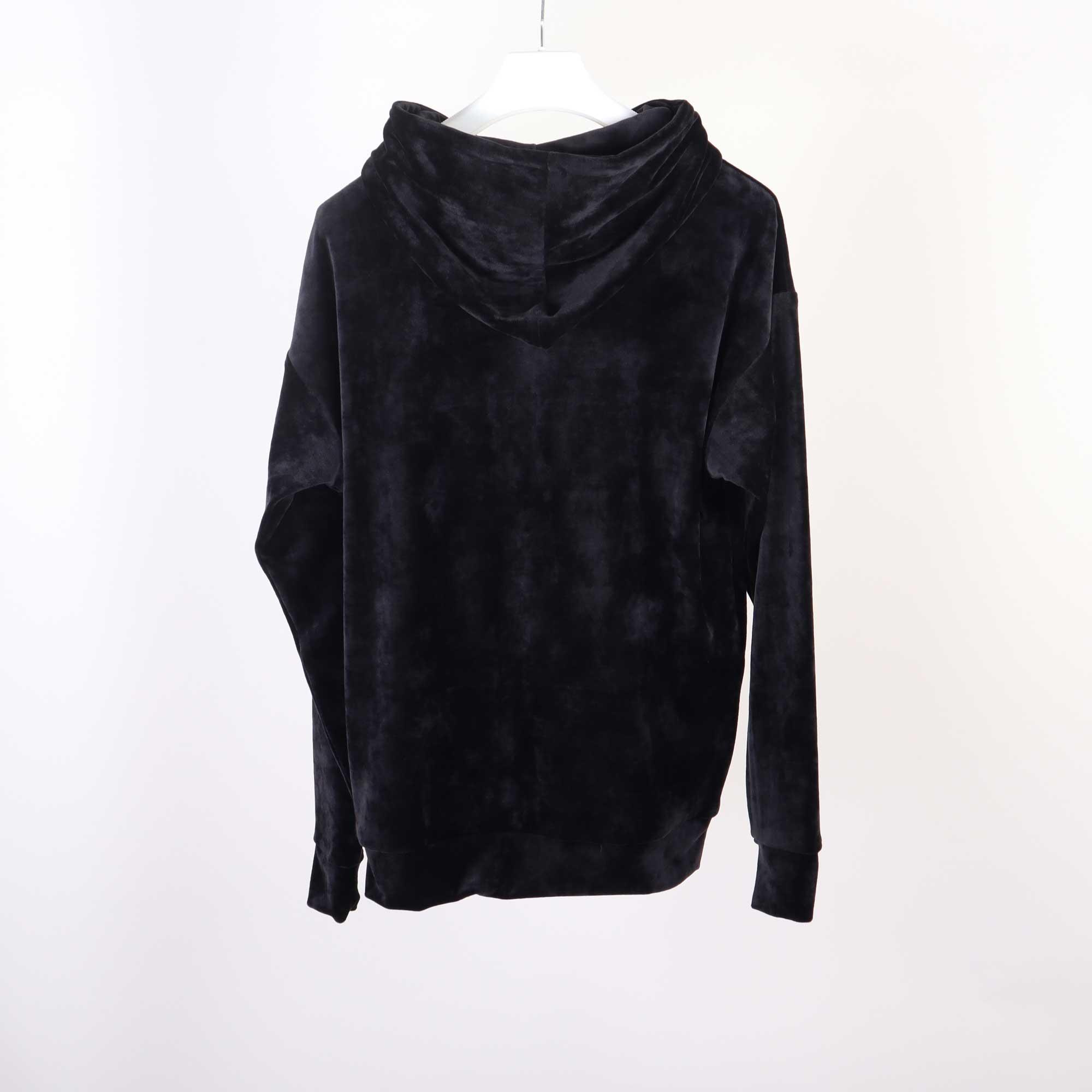 velvet-zwart-1