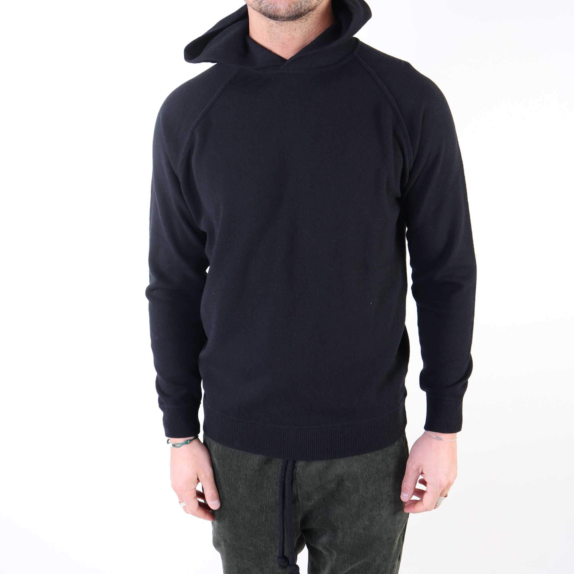 hoodie-wool-zwart-1