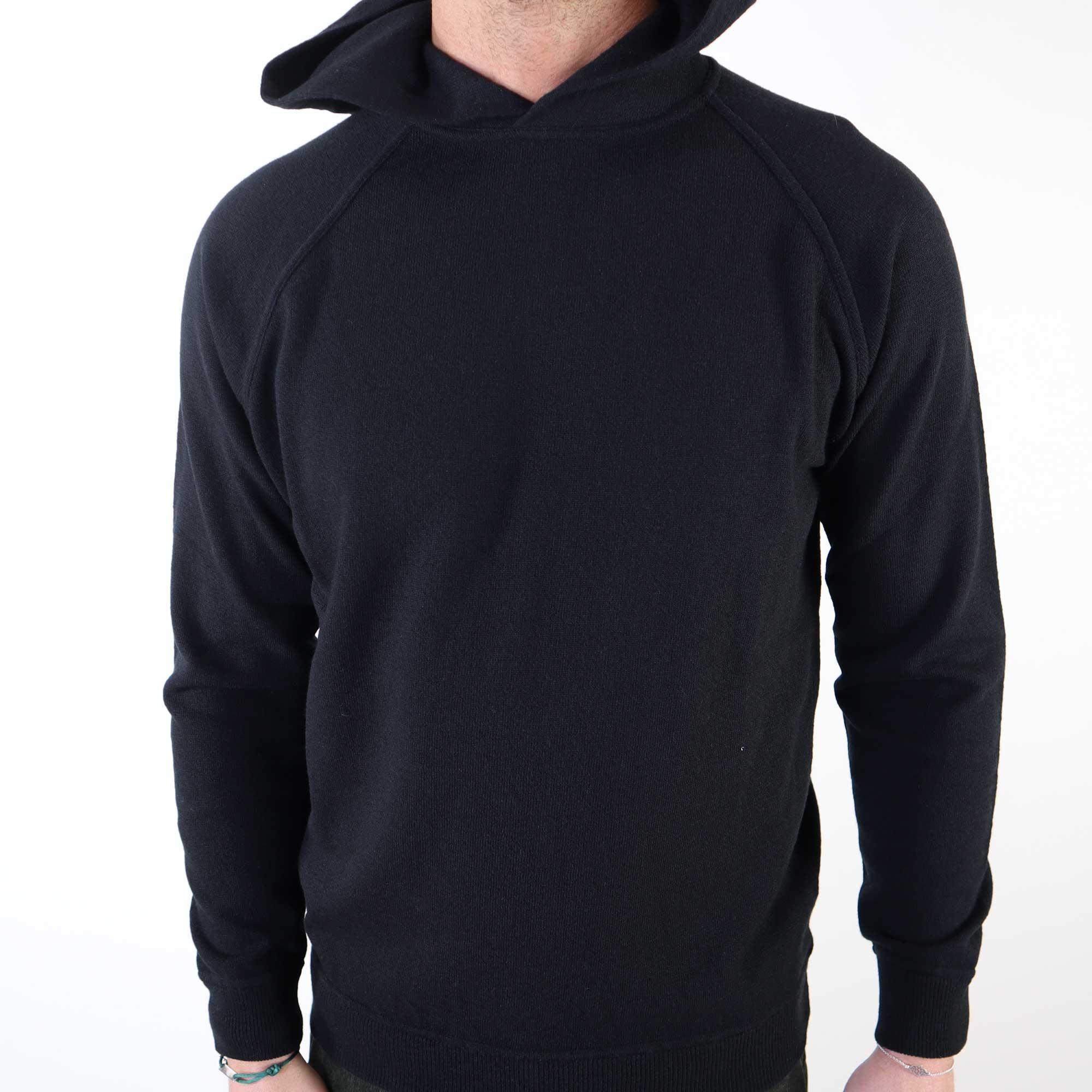 hoodie-wool-zwart-2