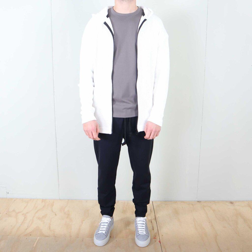 knithoodie-white-2