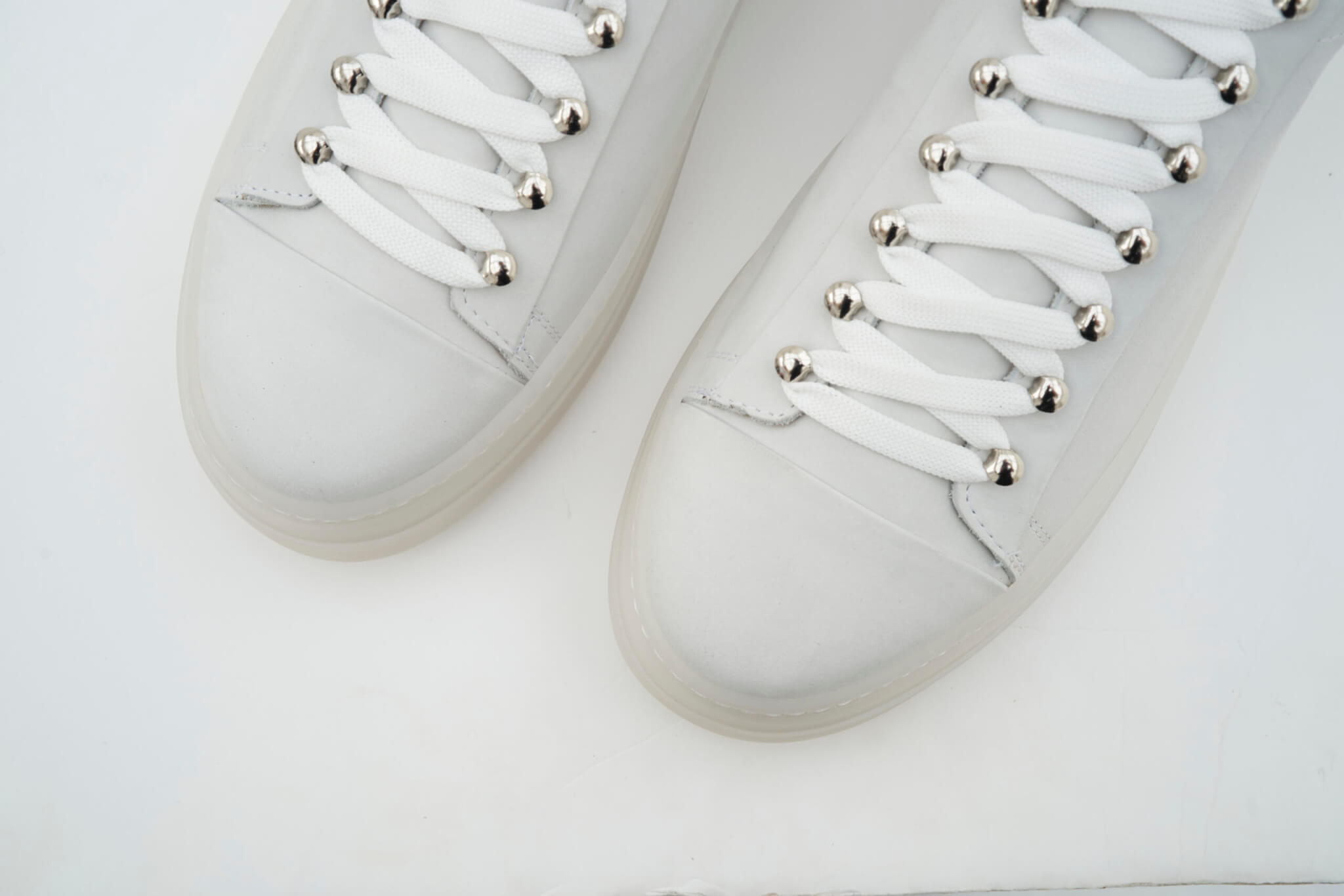 ICON Low Bianco4