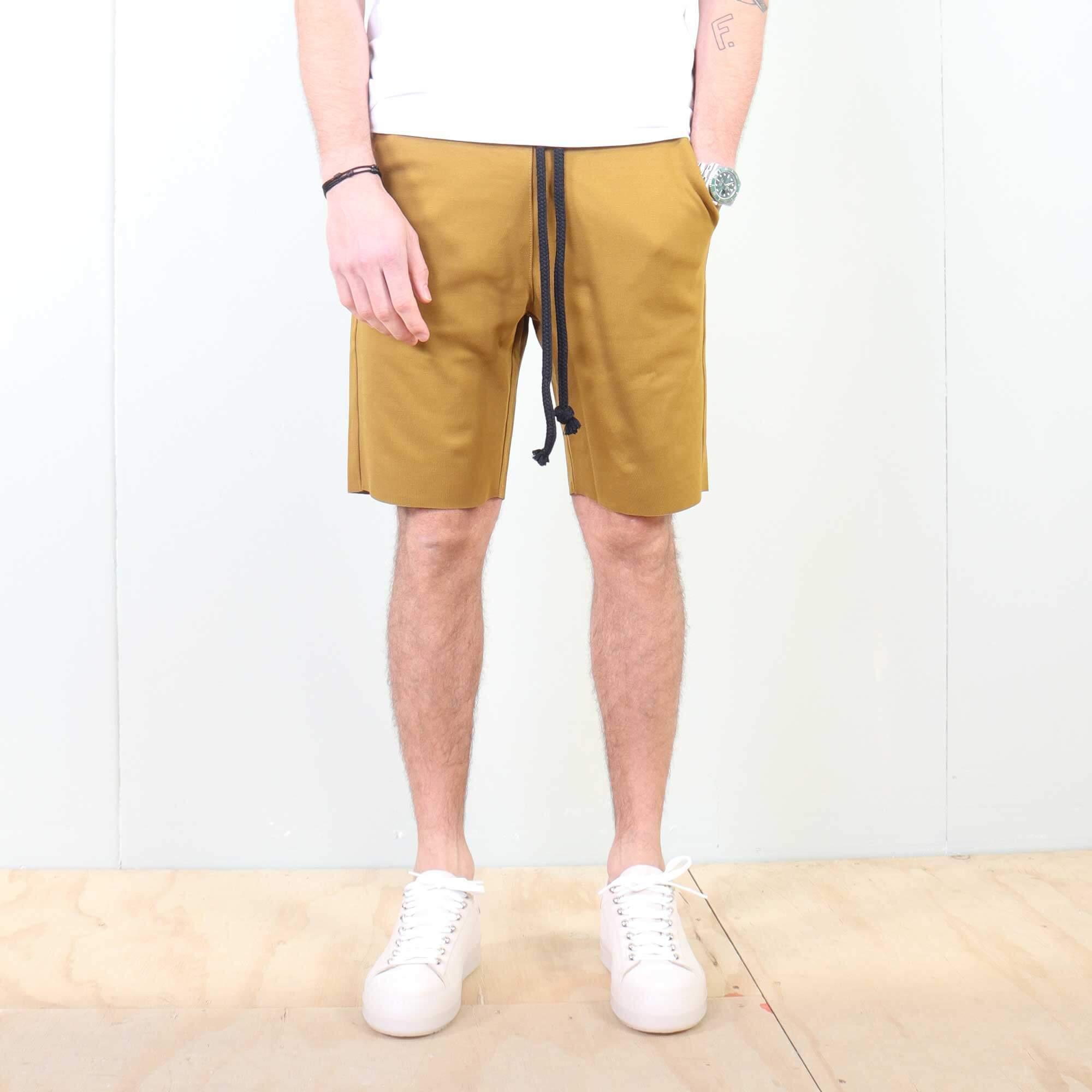 shorts-geel-1