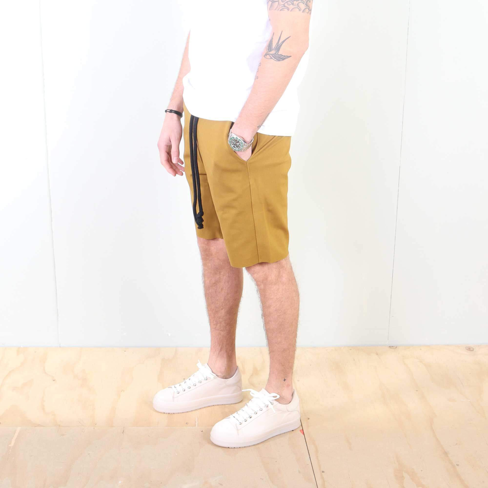 shorts-geel-2