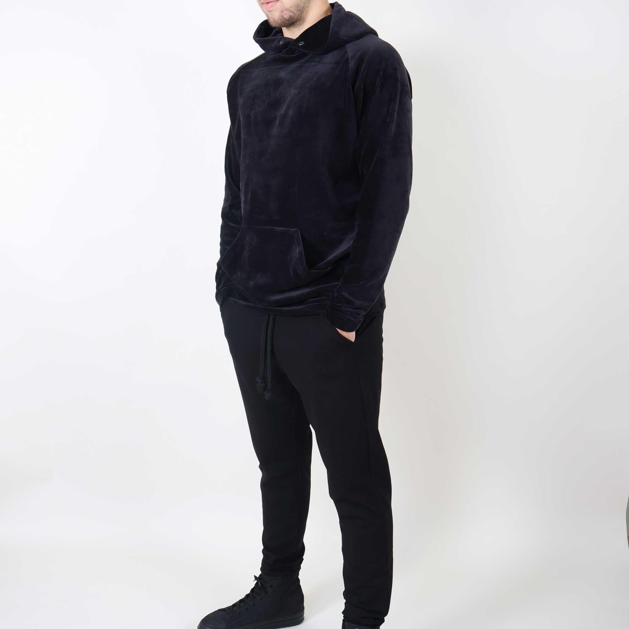 velvet-hoody-zwart-1