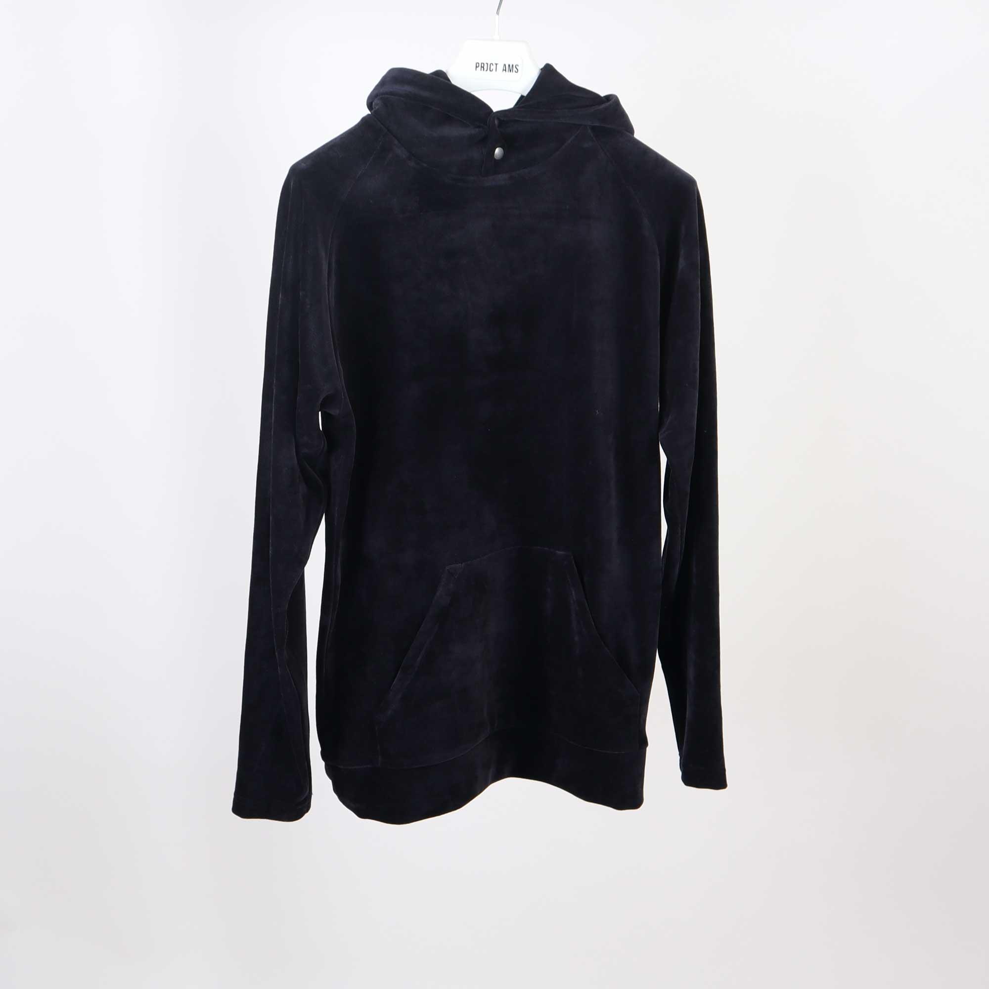 velvet-hoody-zwart-5
